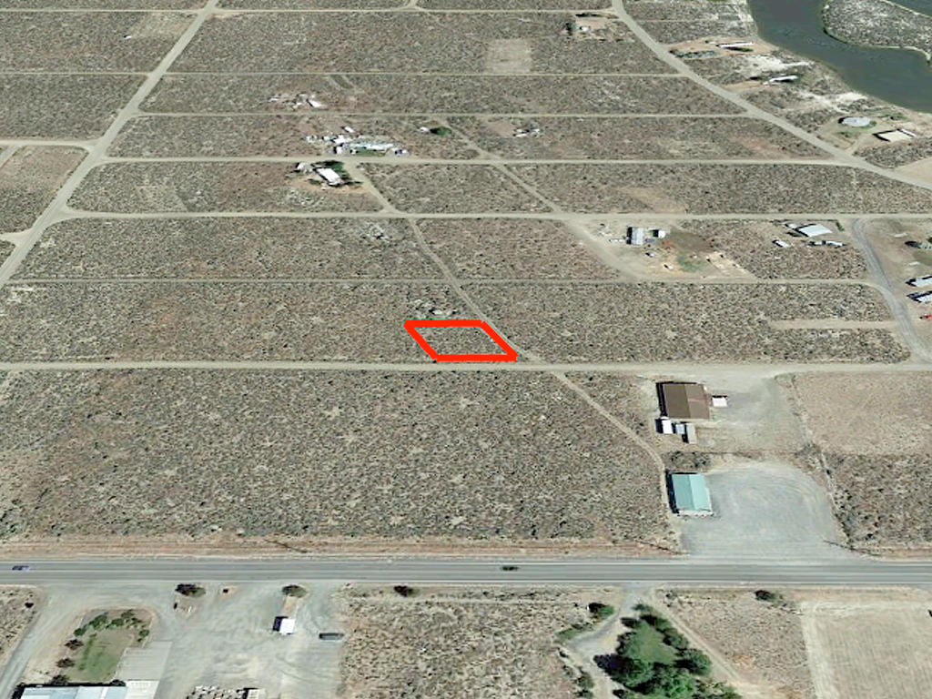 Appealing Oregon Lot One Mile From Lake Access - Image 3