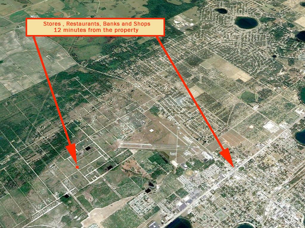 Quarter acre lot in Avon Park - Image 5