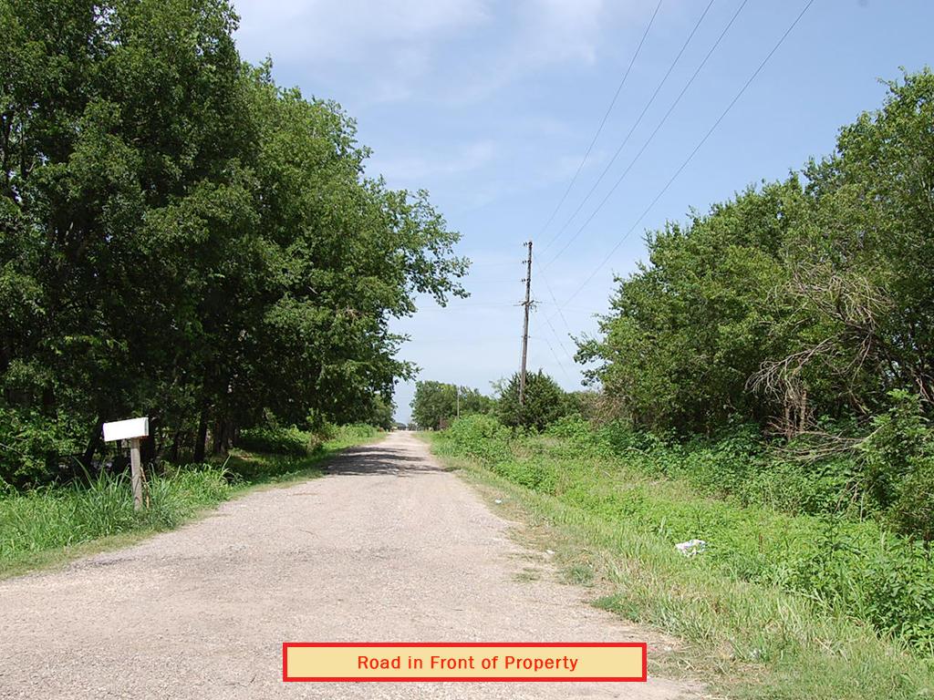 Half Acre Getaway in Central Texas - Image 5