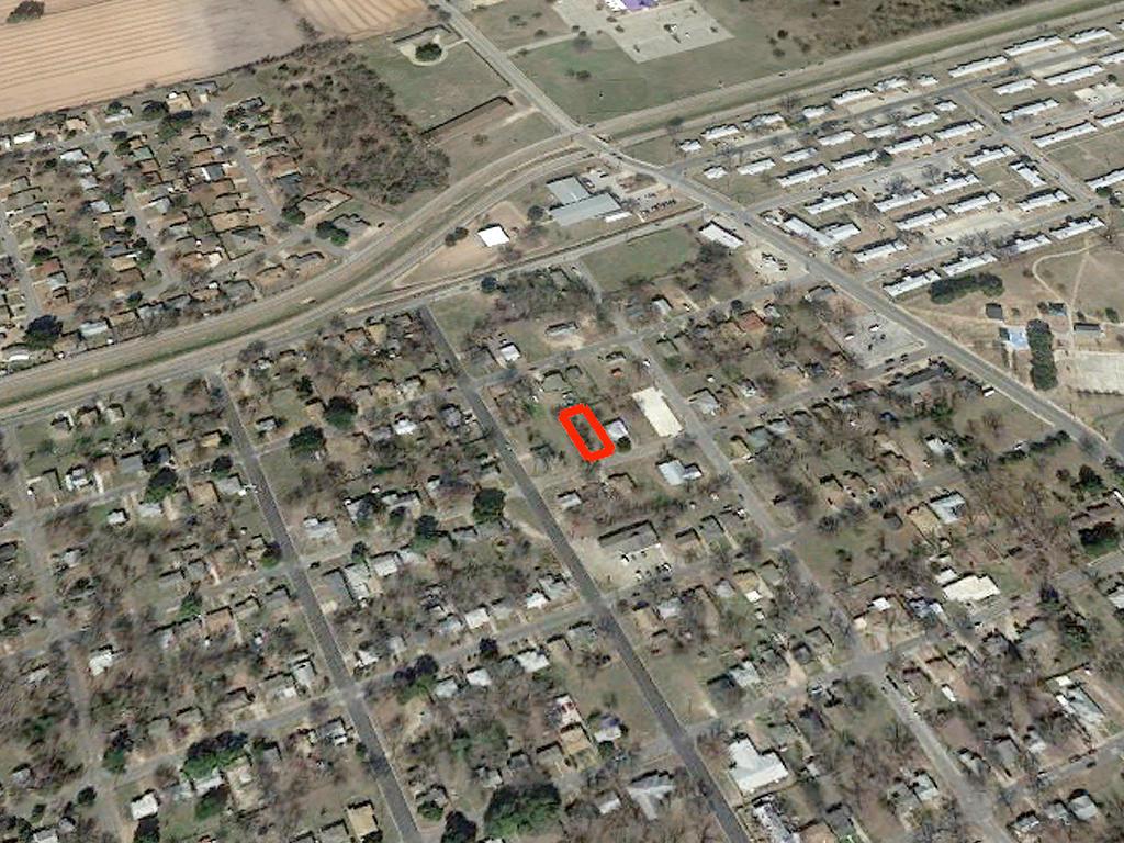 City Lot in Established Waco Texas Neighborhood - Image 3