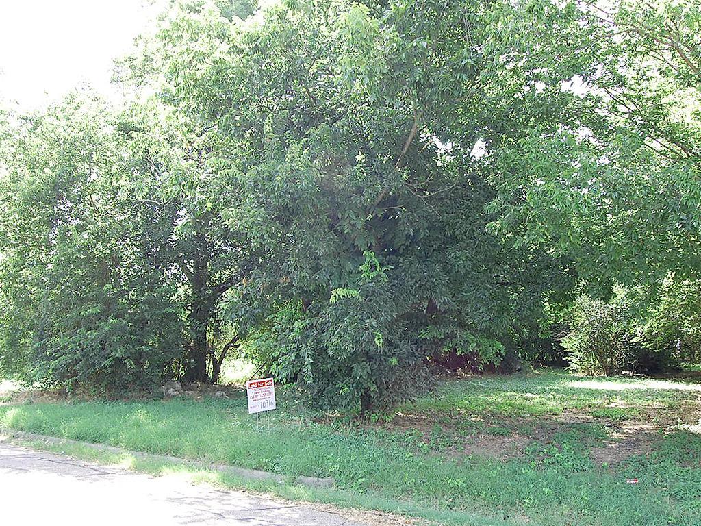 City Lot in Established Waco Texas Neighborhood - Image 1