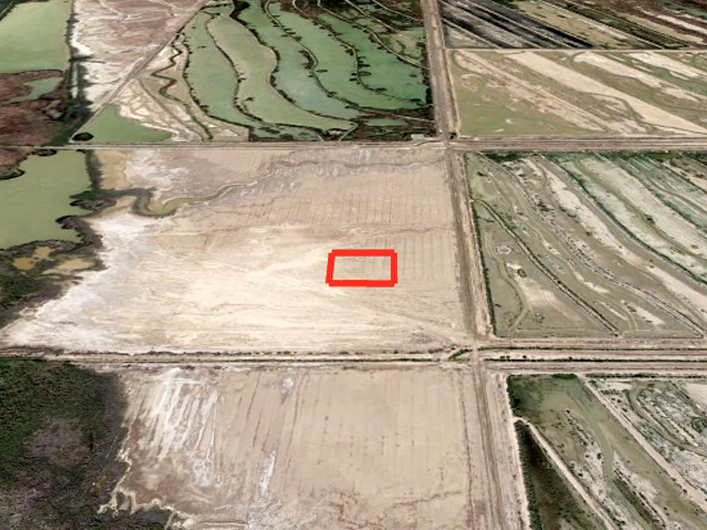 Opportunity Awaits This Acreage Parcel in Rural California - Image 2