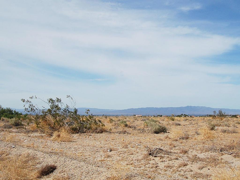 Explore This Quarter Acre California Parcel Ripe for Development - Image 5