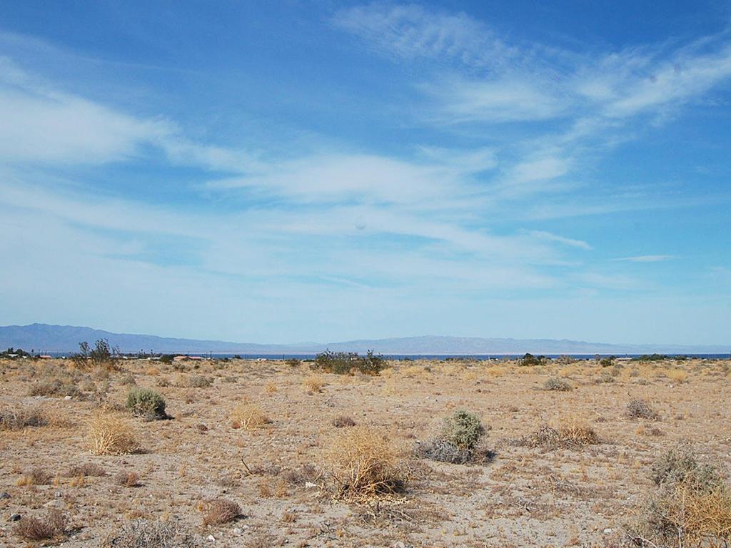 Explore This Quarter Acre California Parcel Ripe for Development - Image 1