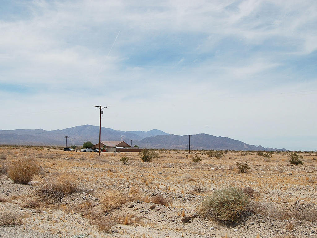 Build Your Dream Home in Tranquil Desert Community - Image 1