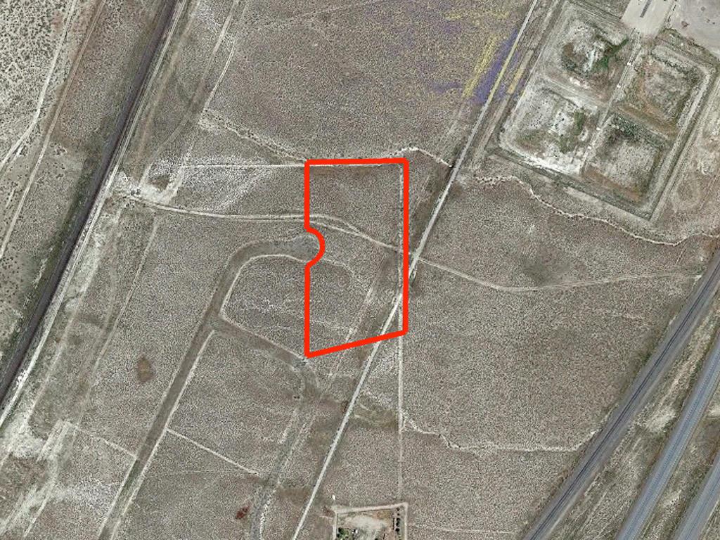 Sprawling 3 Acres in Nevada Desert - Image 2