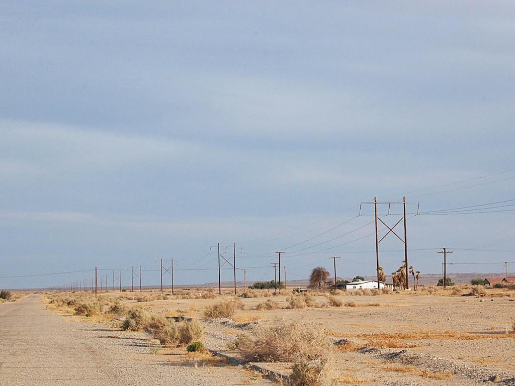 Desert Living in Salton City - Image 5