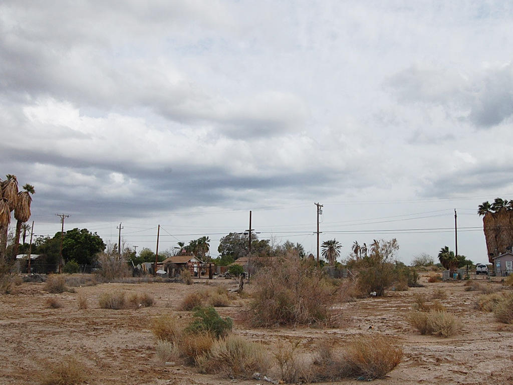 Over 1 Acre Residential Lot in Niland - Image 0