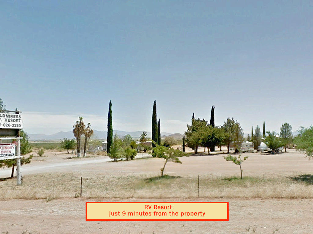 Spacious 1 Acre of Prime Desert Land - Image 7
