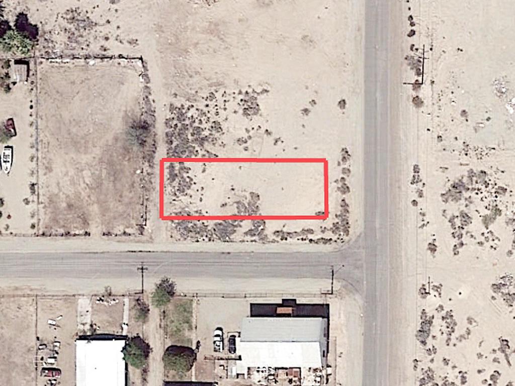 California Lot in Niland Near Salton Sea - Image 1