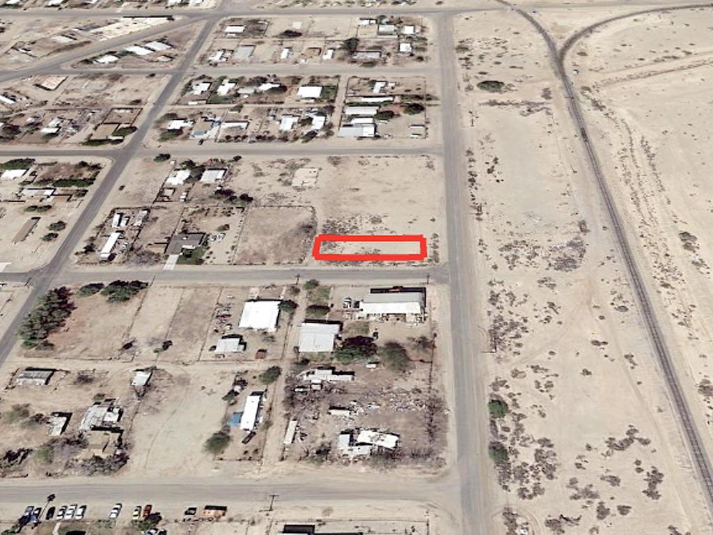 California Lot in Niland Near Salton Sea - Image 2