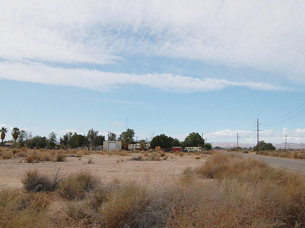 California Lot in Niland Near Salton Sea - Image 3