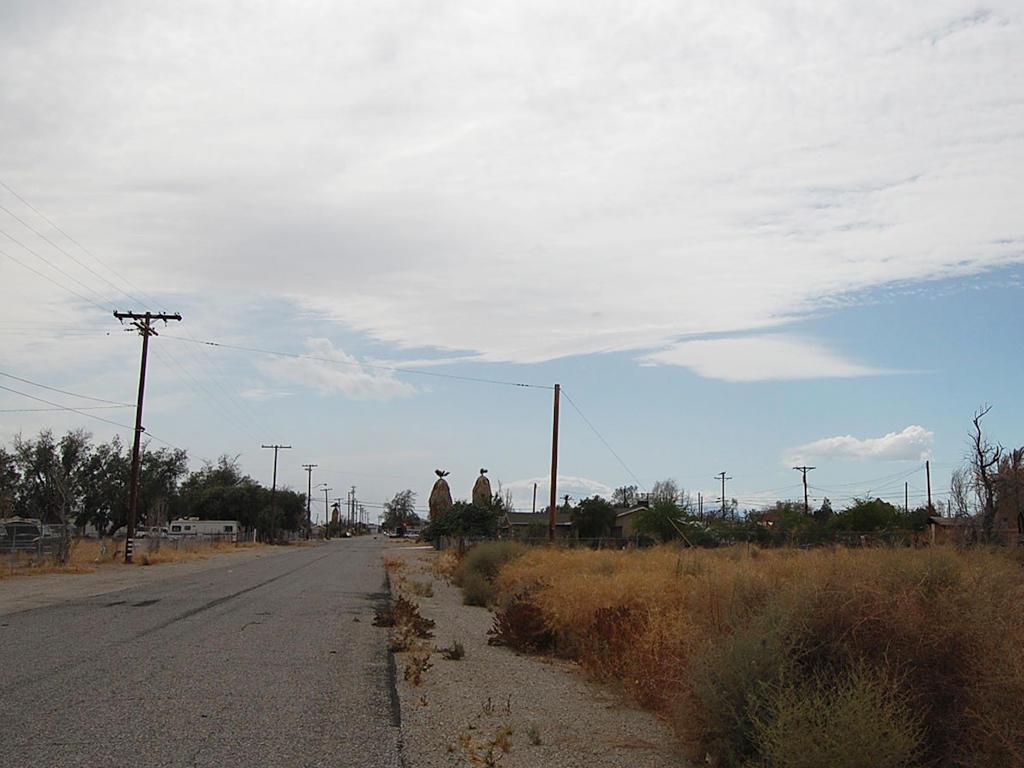 California Lot in Niland Near Salton Sea - Image 4