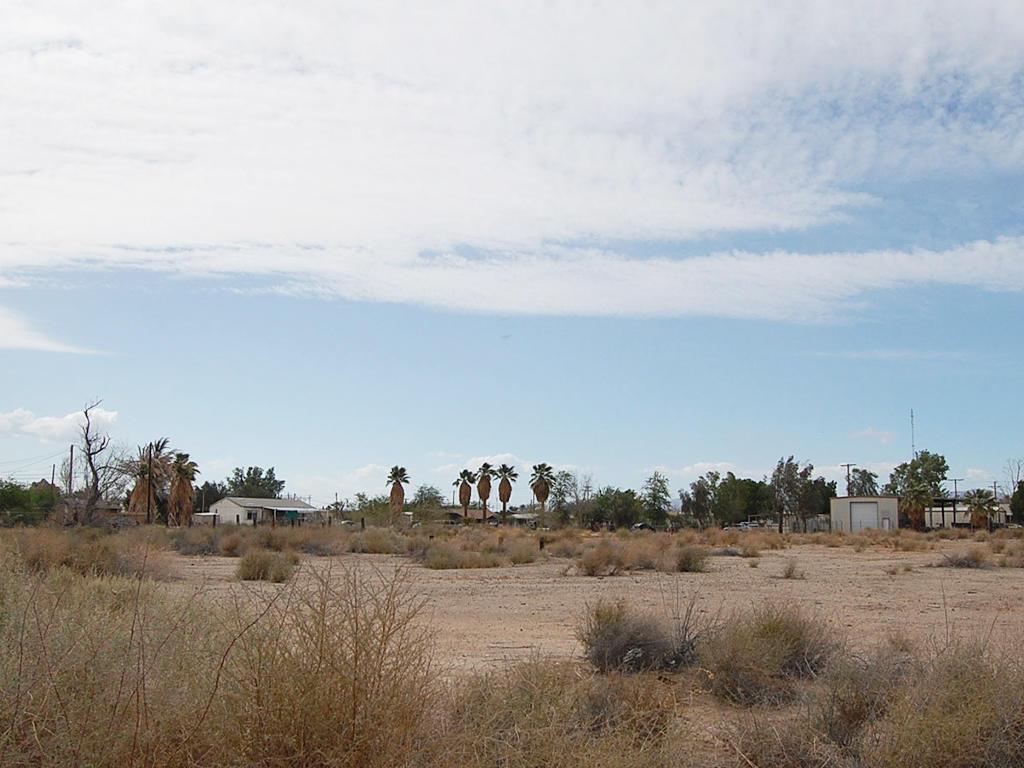 California Lot in Niland Near Salton Sea - Image 0