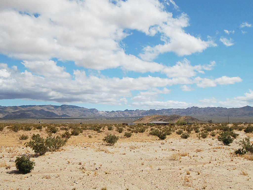 Unobstructed 10 Acres in California Desert - Image 0