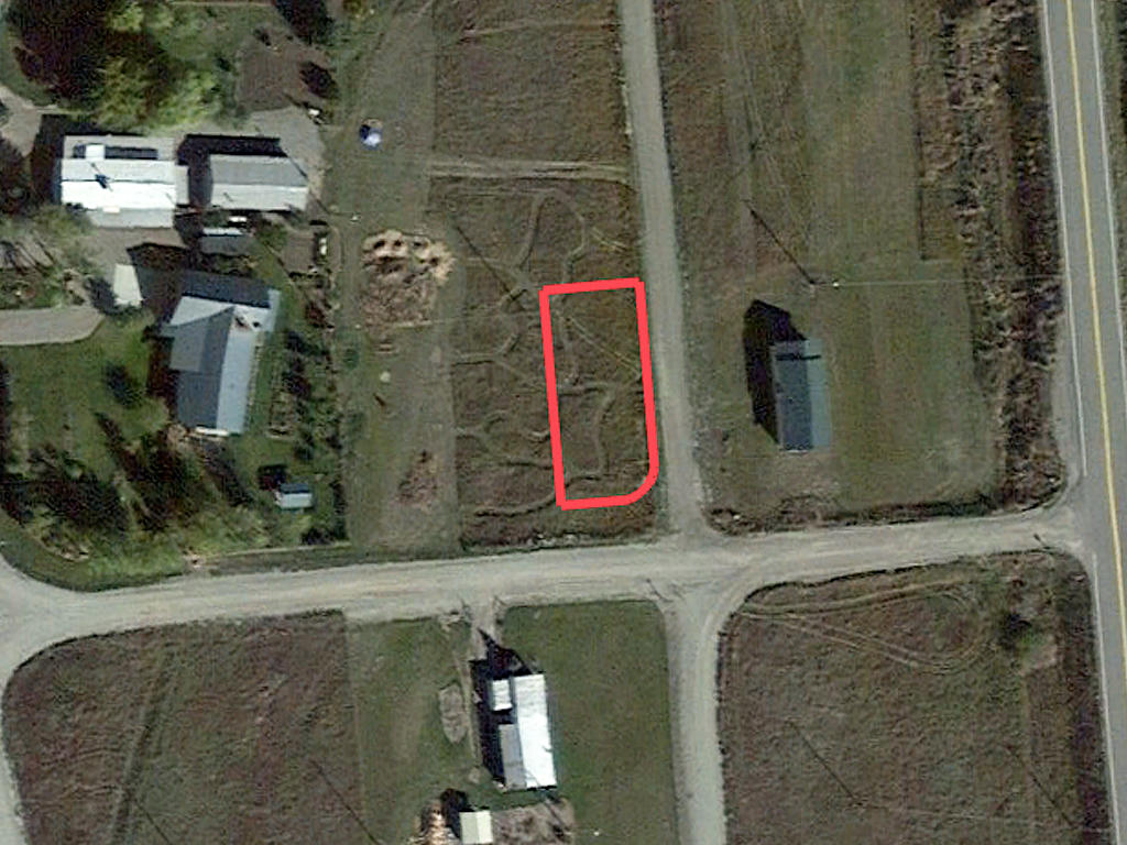 Property Feet Away from Salmon River - Image 2