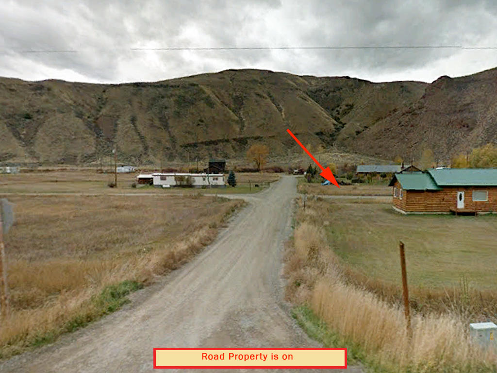 Property Feet Away from Salmon River - Image 5