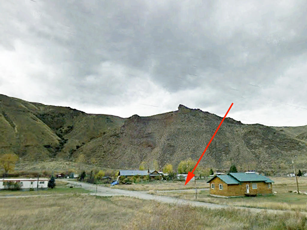 Property Feet Away from Salmon River - Image 1