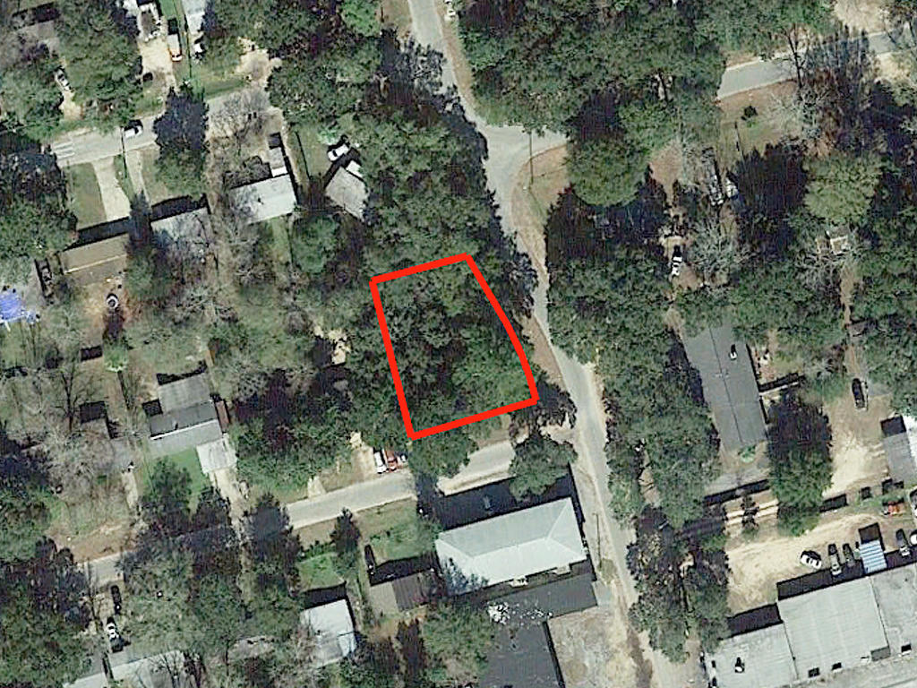 Large Lot in West Pensacola - Image 1