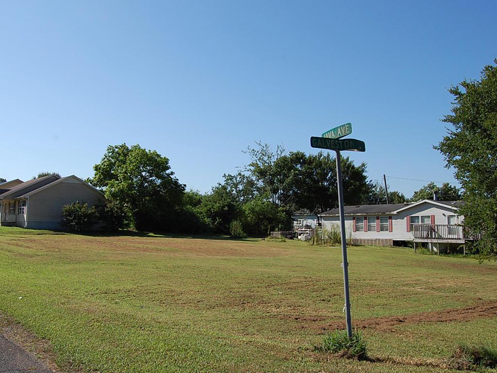 Over Quarter Acre Birmingham Residential Lot - Image 4