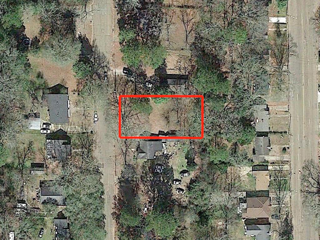 Small Quaint Residential Jackson Homesite - Image 2