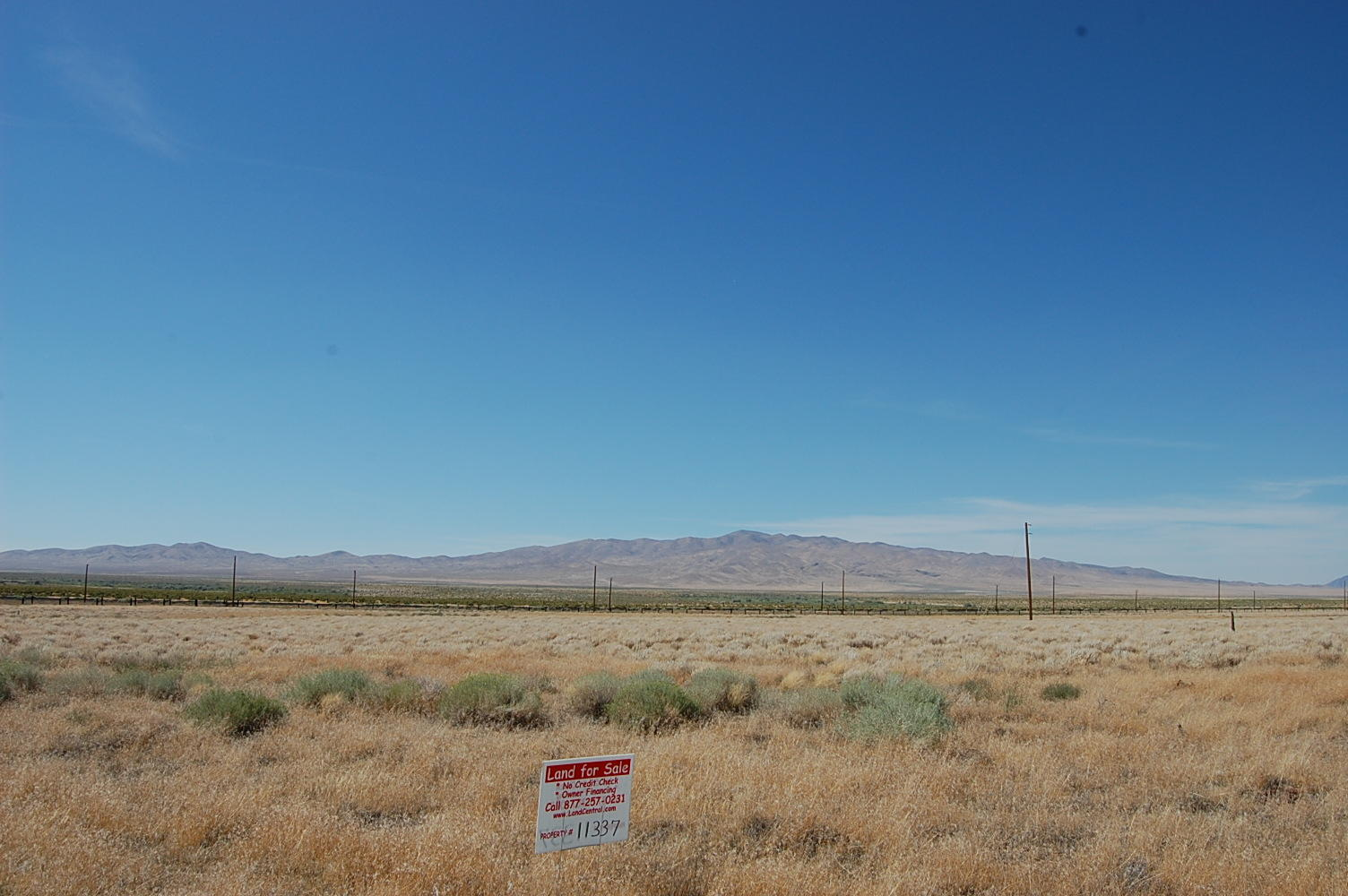 Two Corner Lots Being Sold As One Property - Image 0