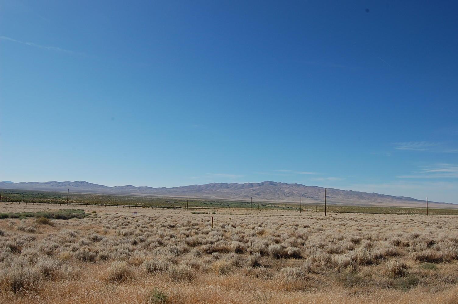 Sprawling 3 Acres in Nevada Desert - Image 1