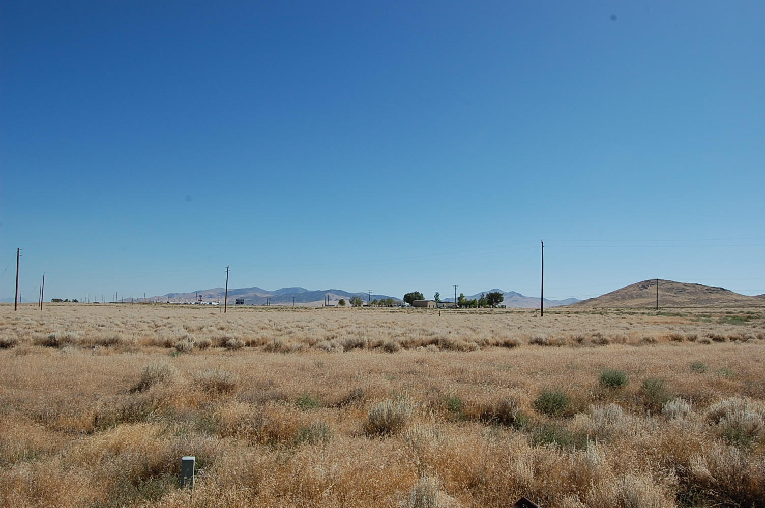 Escape to the Desert with Amazing 2 Acre Lot - Image 0