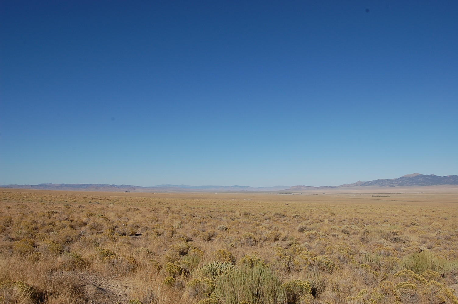 Escape into the Nevada Mountain Range on Stunning 2 Acres - Image 5