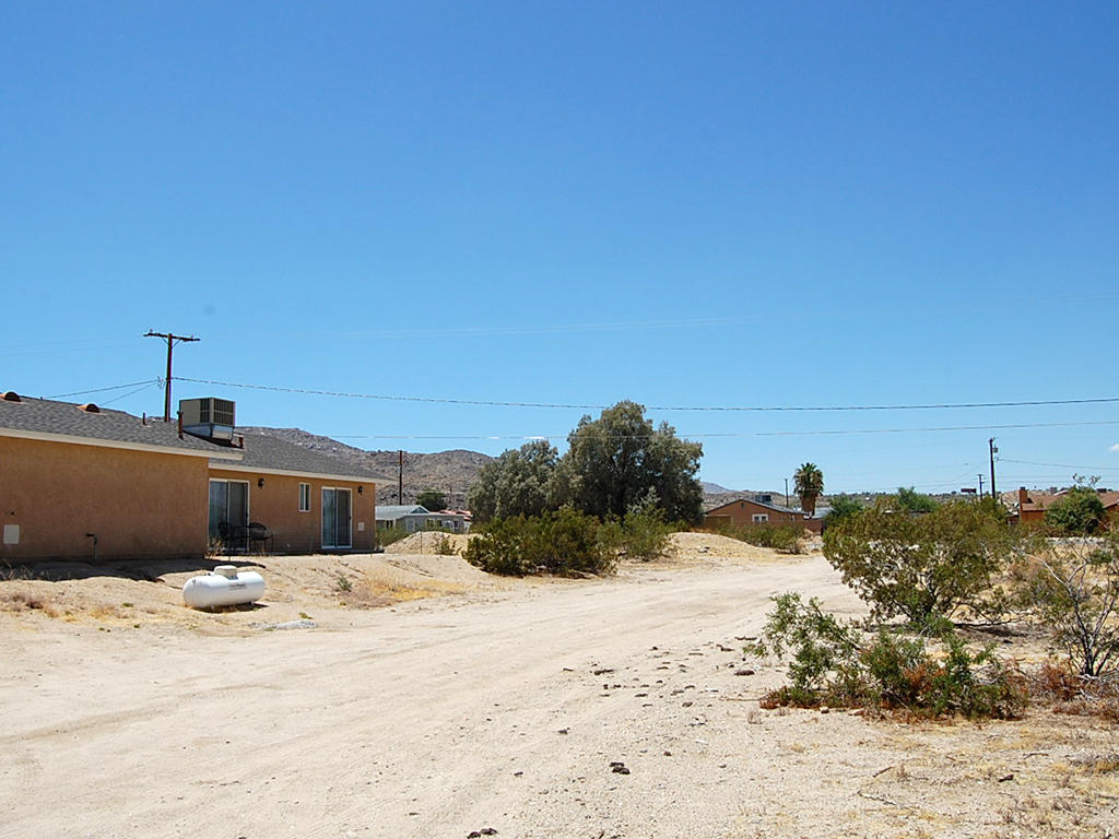 Residential Lot in Beautiful Desert Hills in Twentynine Palms - Image 3