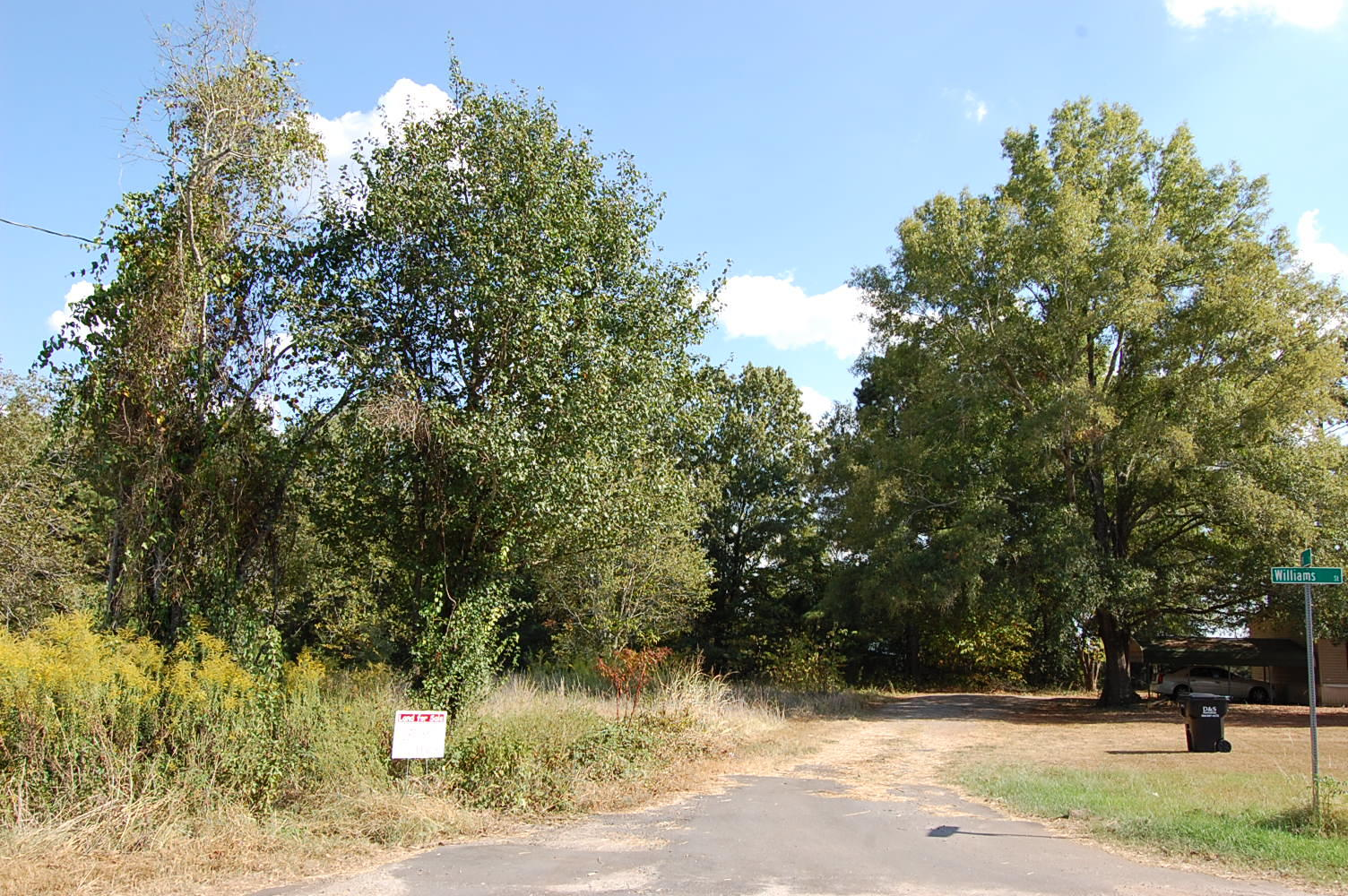 Ideal Residential Lot on Dead End Street - Image 4
