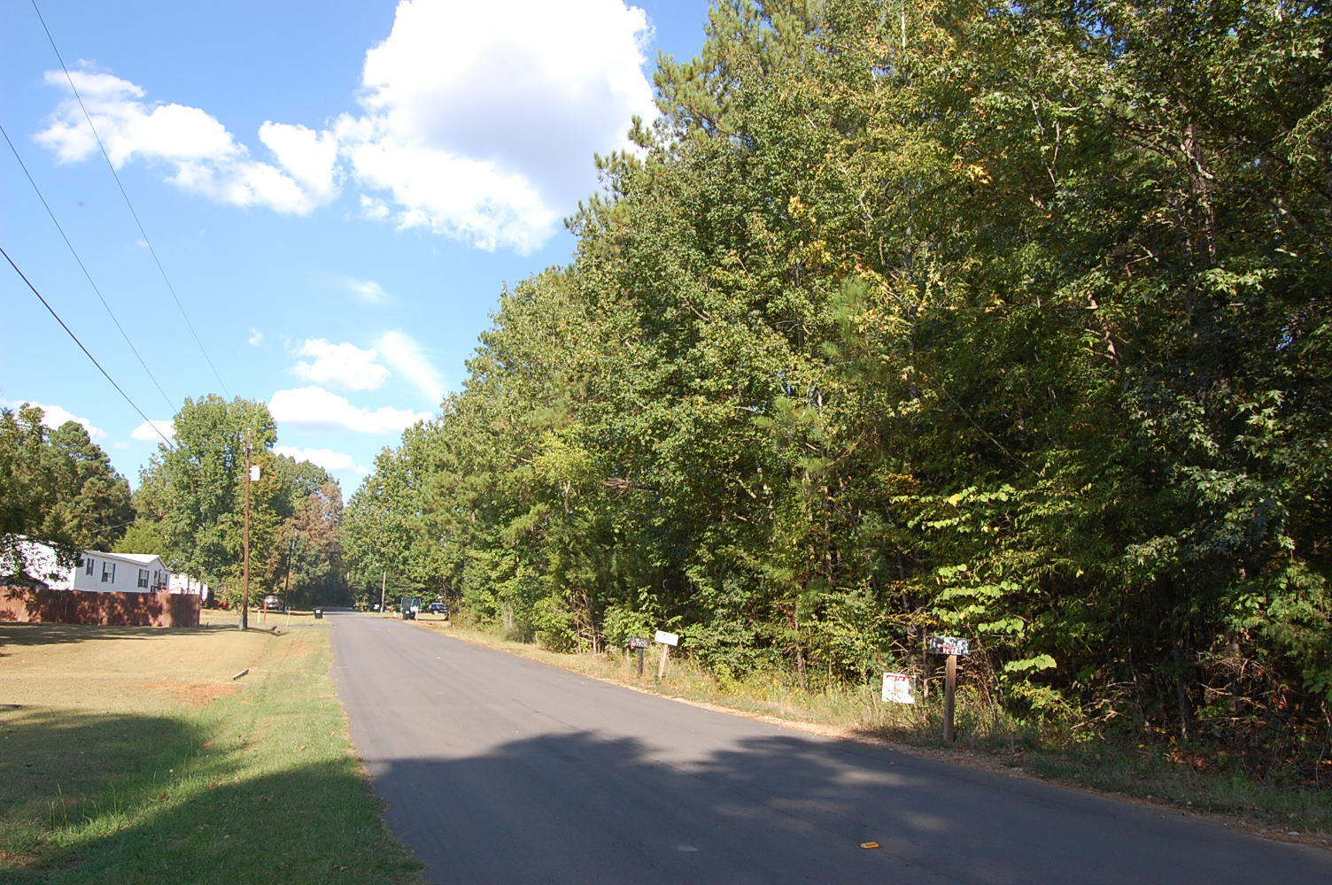 Nearly a Half Acre in Calhoun Falls - Image 0