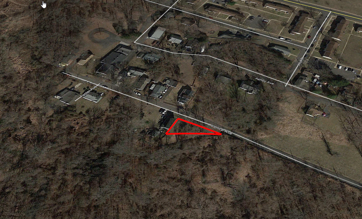 Small Property Nestled Near Silver Lake - Image 2