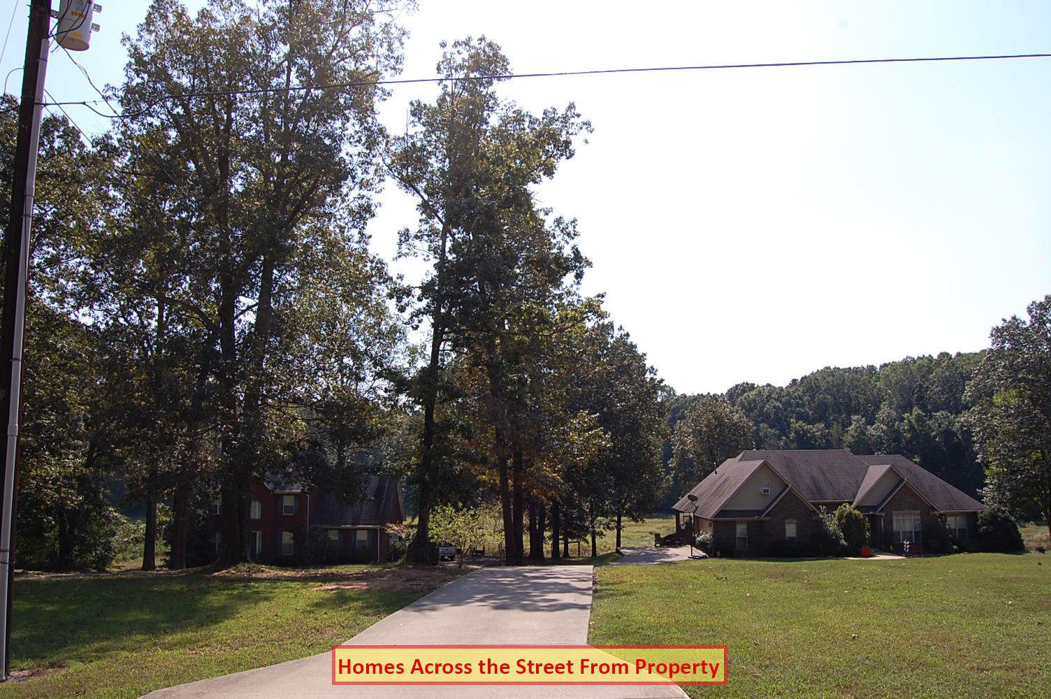 Gorgeous Property Near Springbrook Lake - Image 3