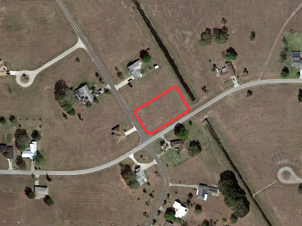 Nearly Three-Quarter Acre Sebring Property - Image 2