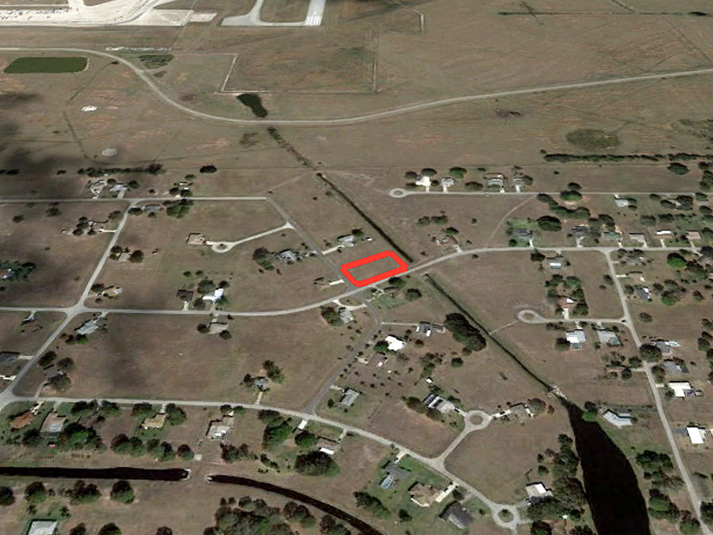 Nearly Three-Quarter Acre Sebring Property - Image 3