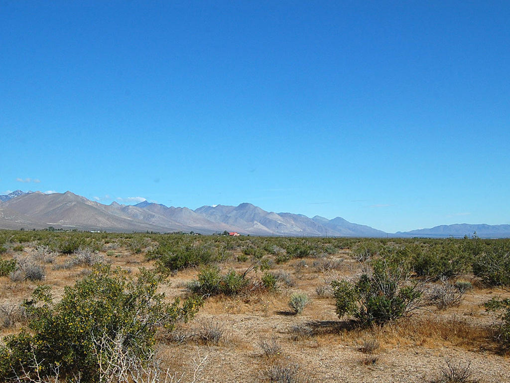 Five Acre Secluded Kern California Gem - Image 0