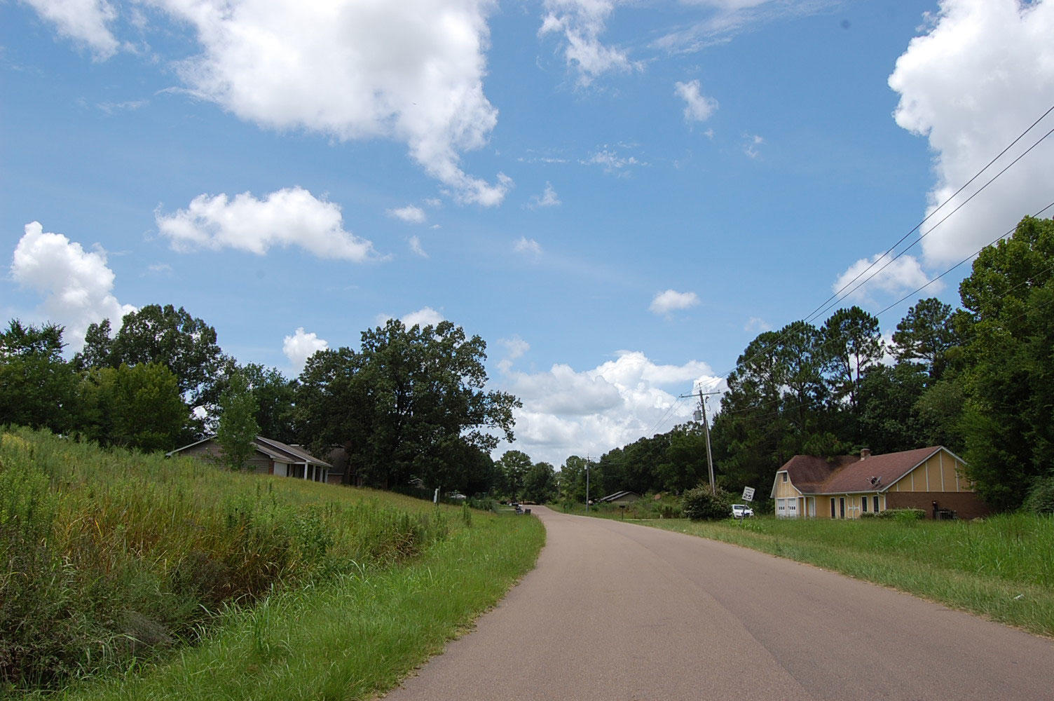 Corner Lot in Residential Neighborhood - Image 5