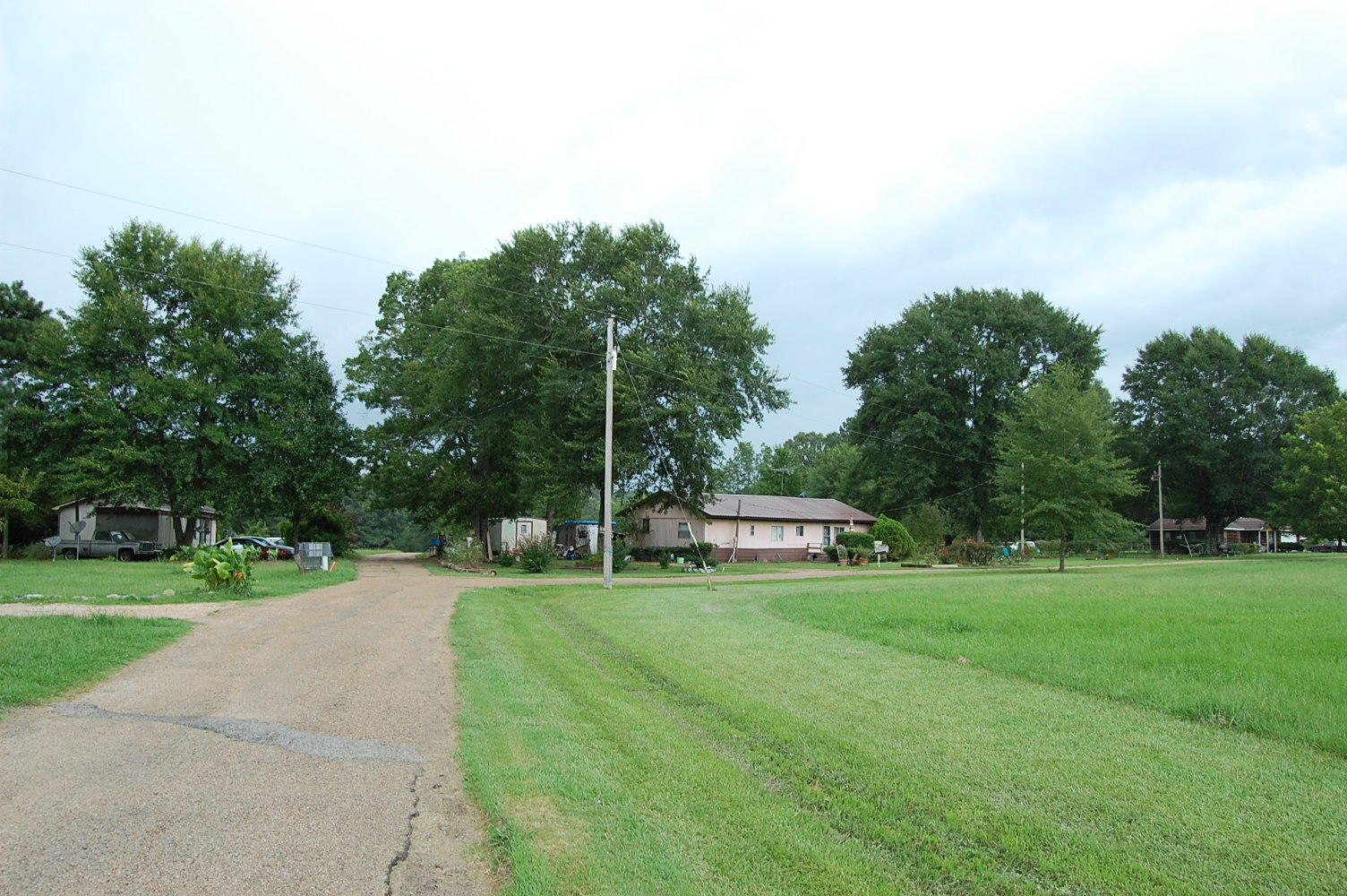 Almost an Acre on Dixon Drive - Image 5