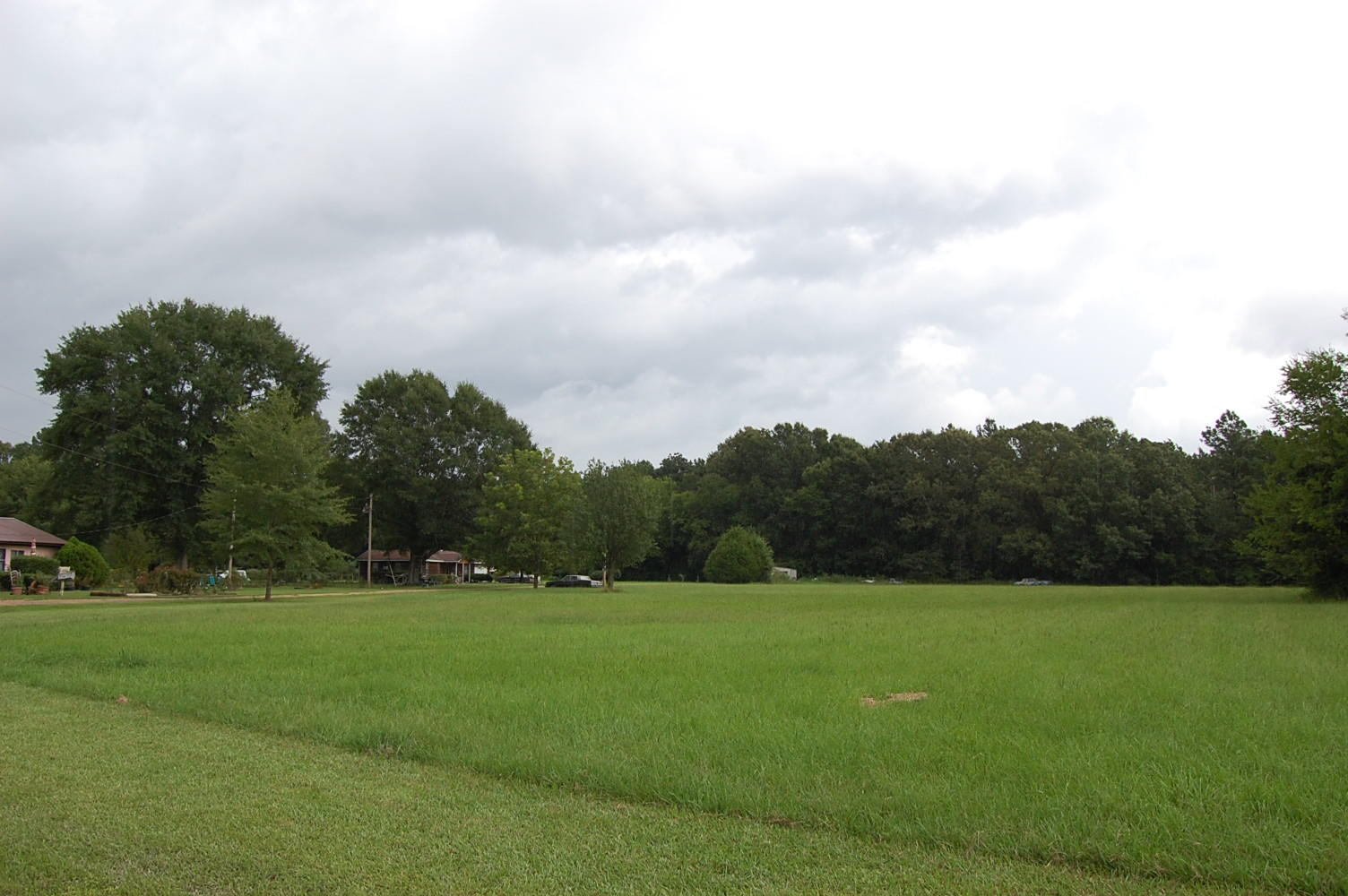 Almost an Acre on Dixon Drive - Image 0