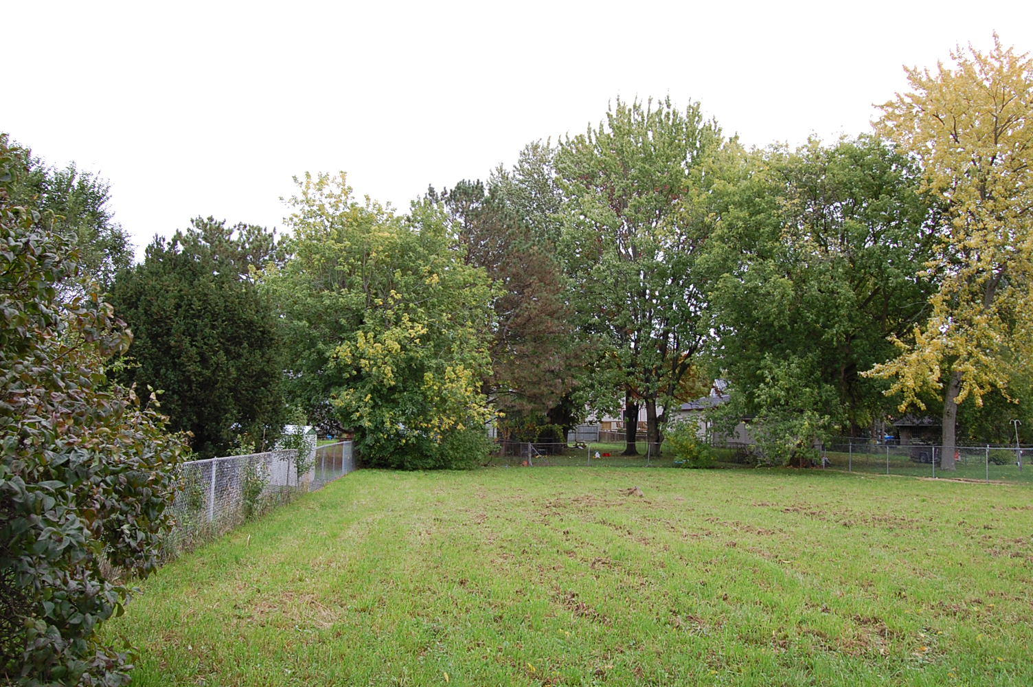 Large Lot with Income Potential in Beautiful Bay City - Image 3