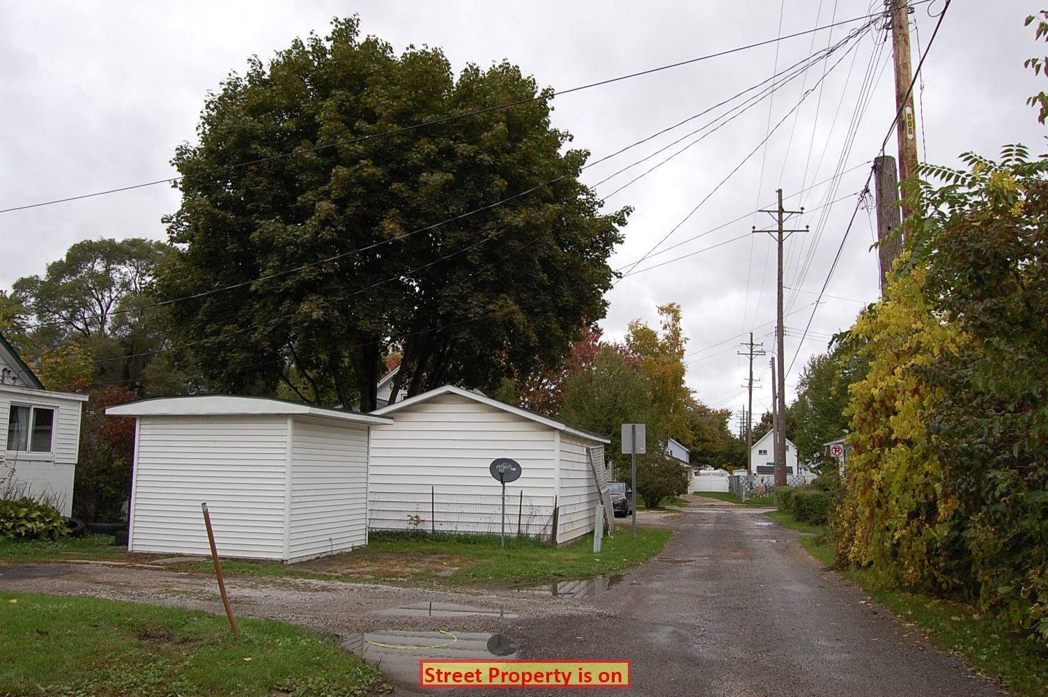 Large Lot with Income Potential in Beautiful Bay City - Image 6