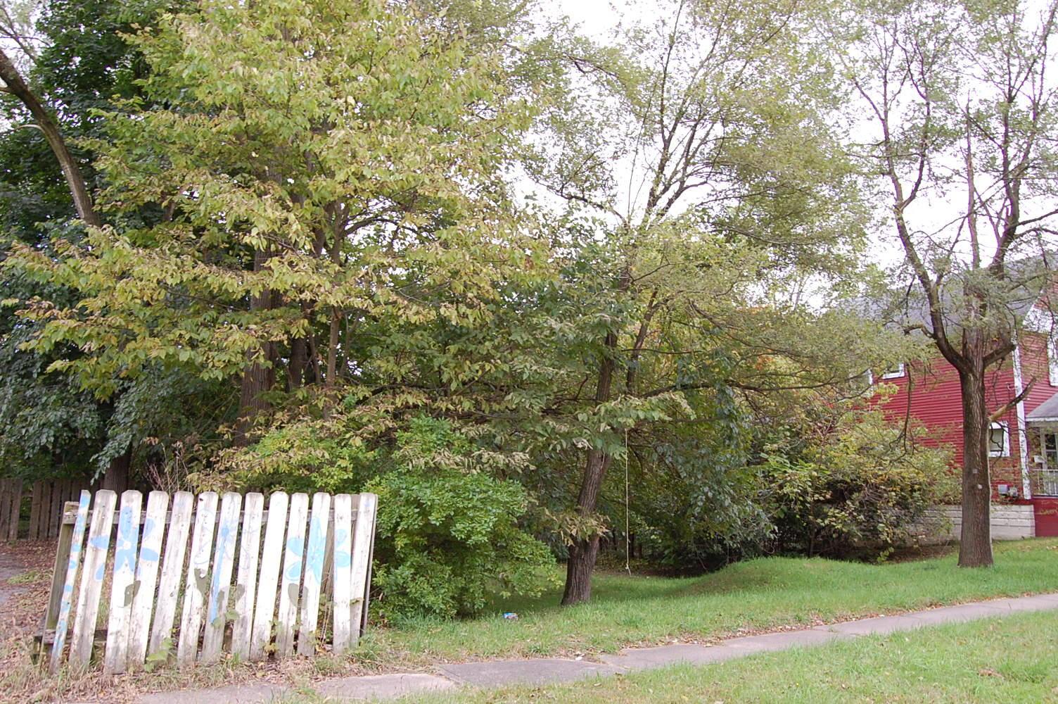 Cozy Property Near The Kalamazoo River - Image 3