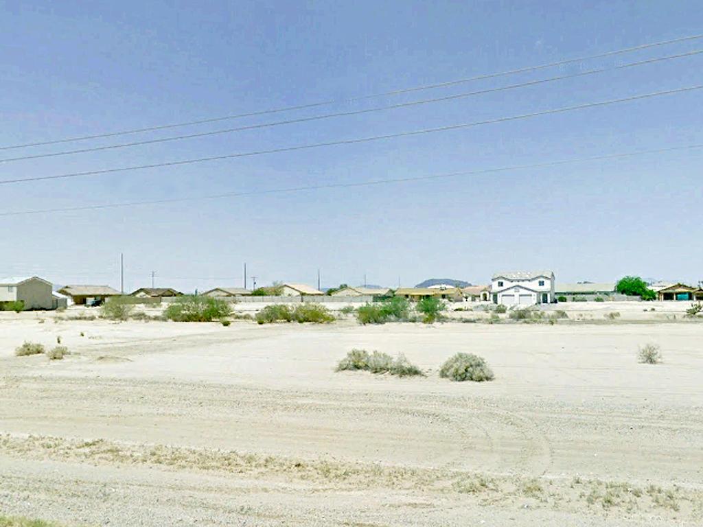 Narrow Residential Ready Arizona City Lot - Image 0