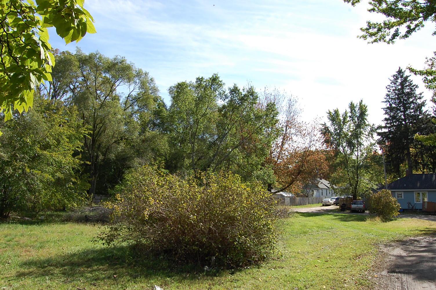 Large Lot in Nice Neighborhood Near Lake Michigan - Image 3