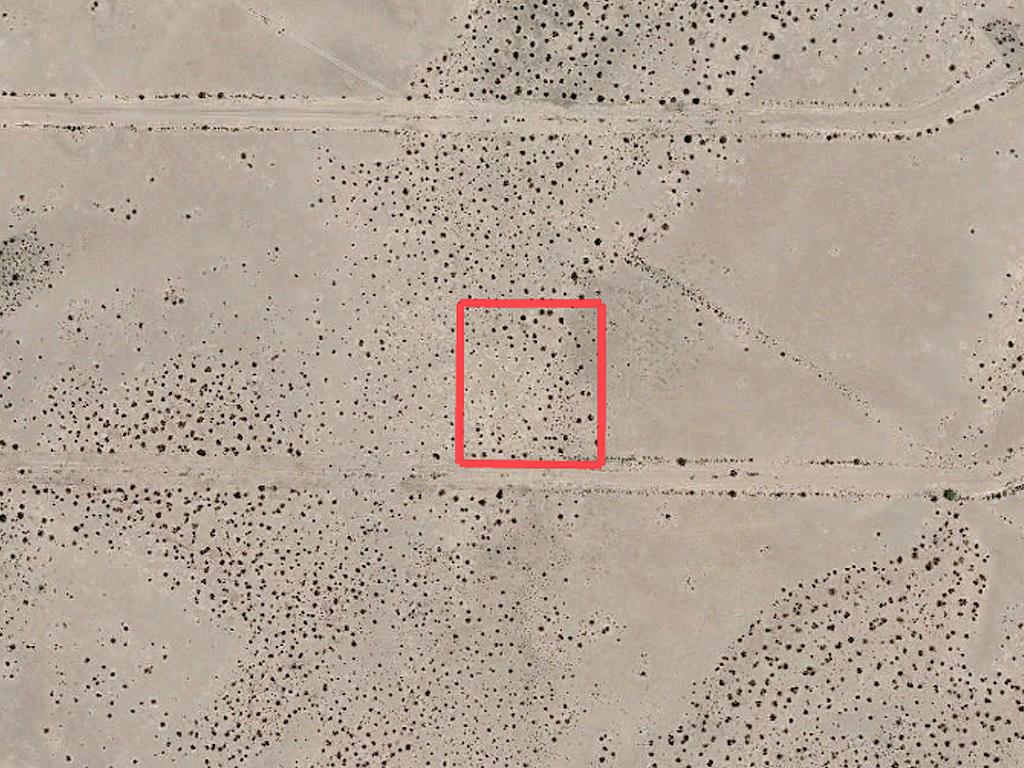 Off the Grid Living in Arizona Desert - Image 1