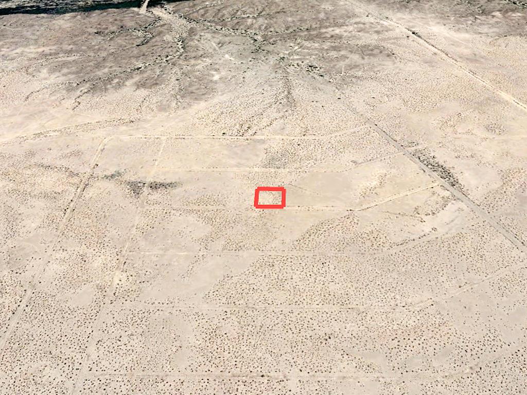 Off the Grid Living in Arizona Desert - Image 2