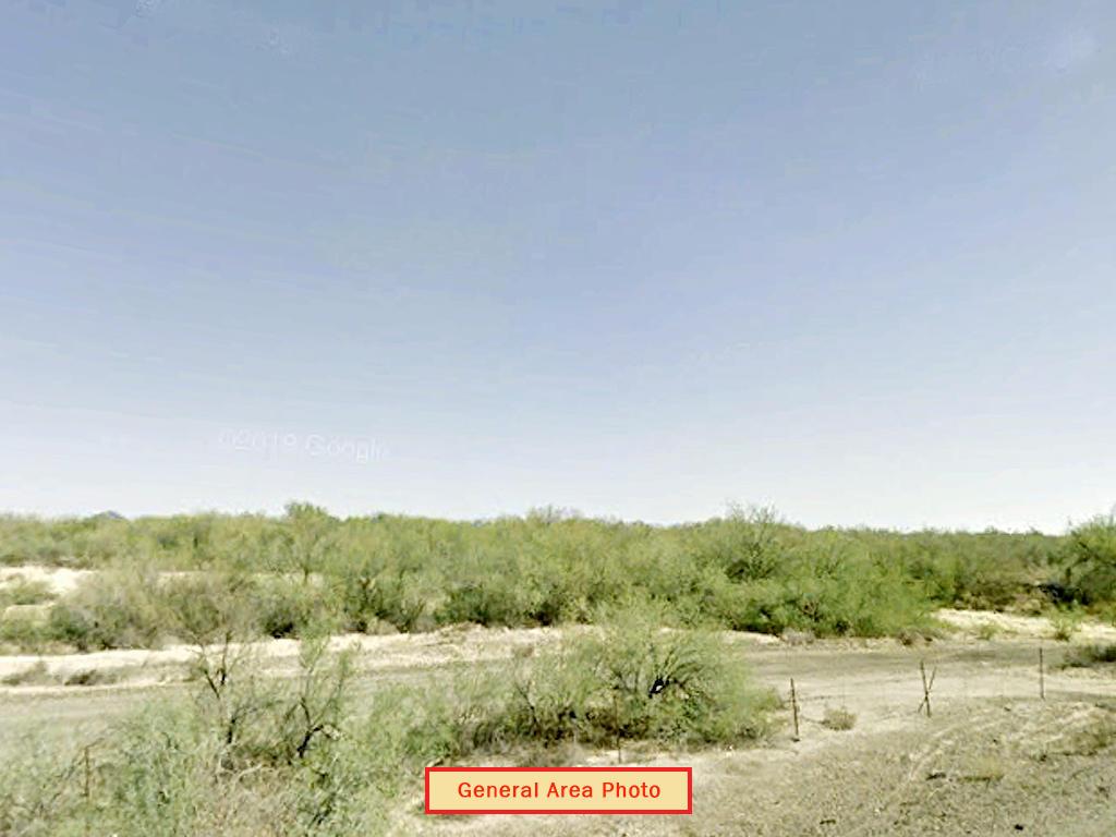 Off the Grid Living in Arizona Desert - Image 0