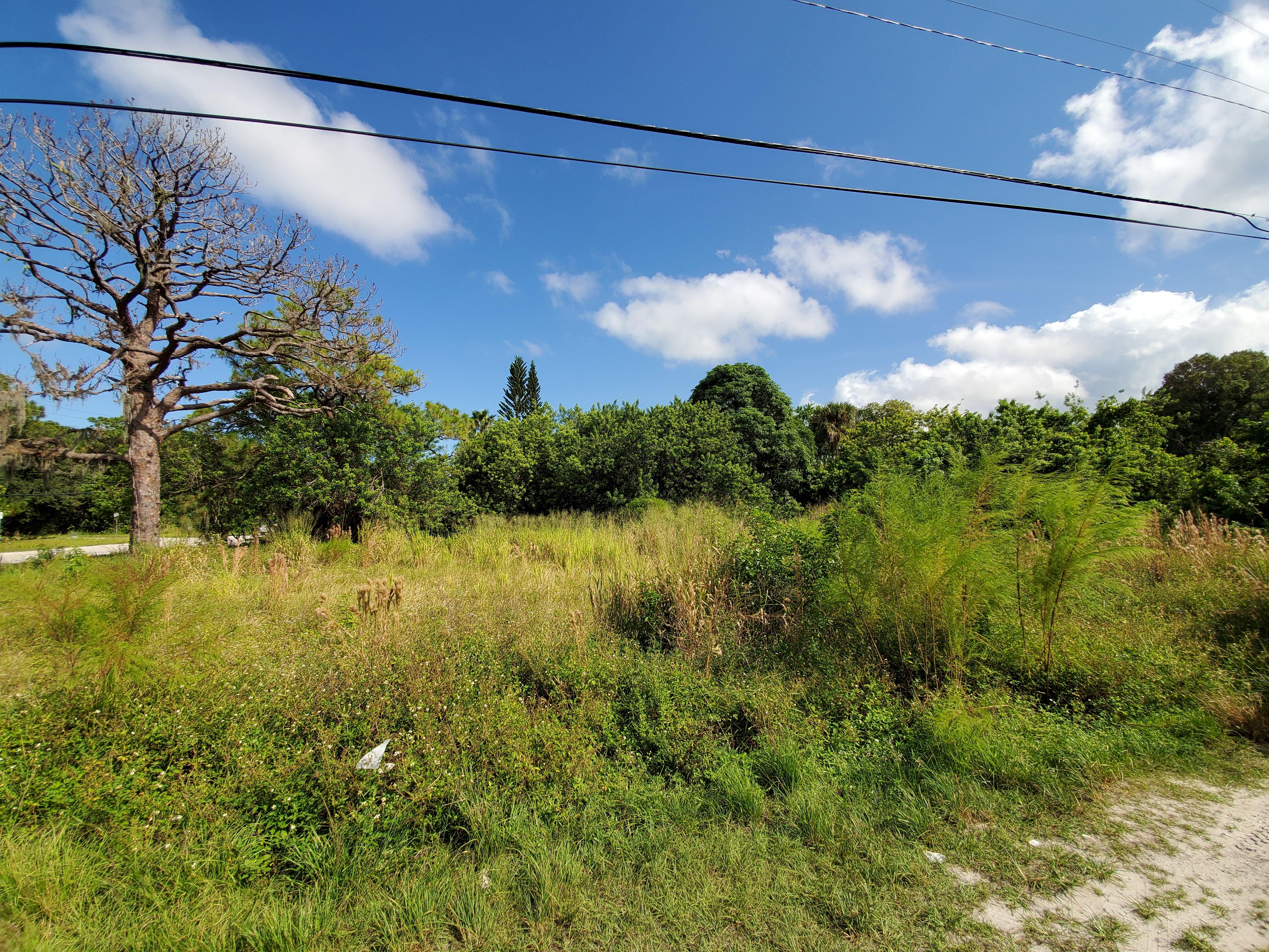 Commercial Lot in Ideal Coastal Location - Image 0
